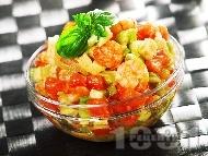 Салата от скариди, домати и авокадо